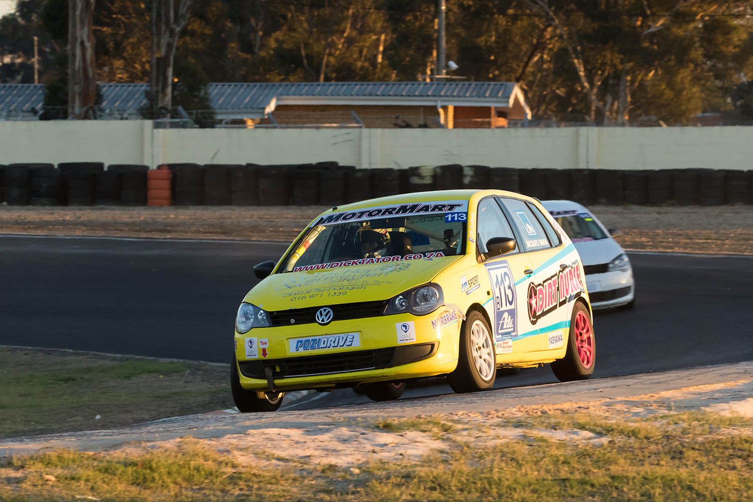 Jacques Smith leads class B